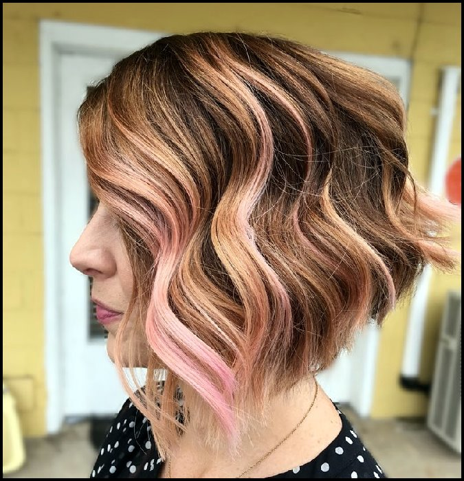 +10 Latest Short Hairstyle For Women Over 40 - 50 3