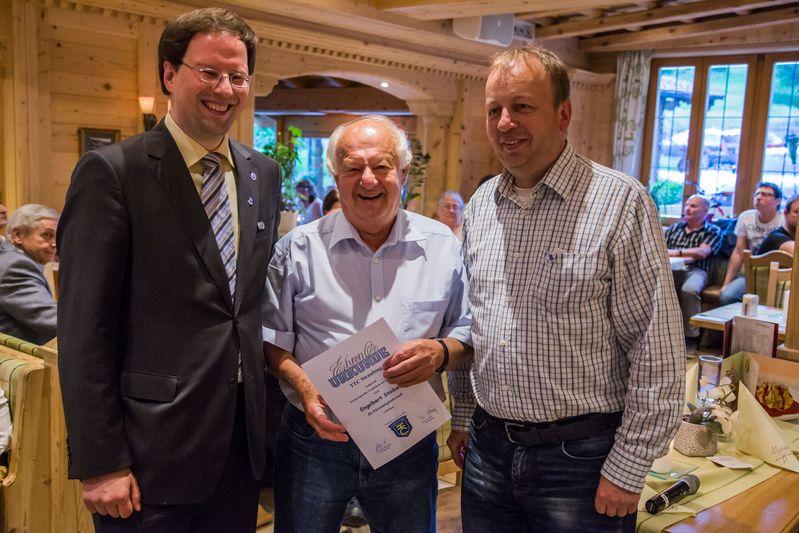 """""""70 Jahre TTC Straubing"""": Neu-Ehrenmitglied Engelbert Stoiber"""