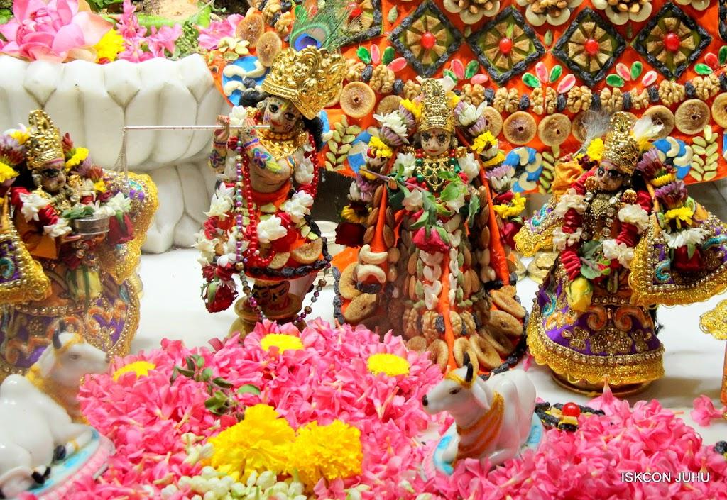 ISKCON Juhu Chandan yatara Deity Darshan on 9th May 2016 (25)