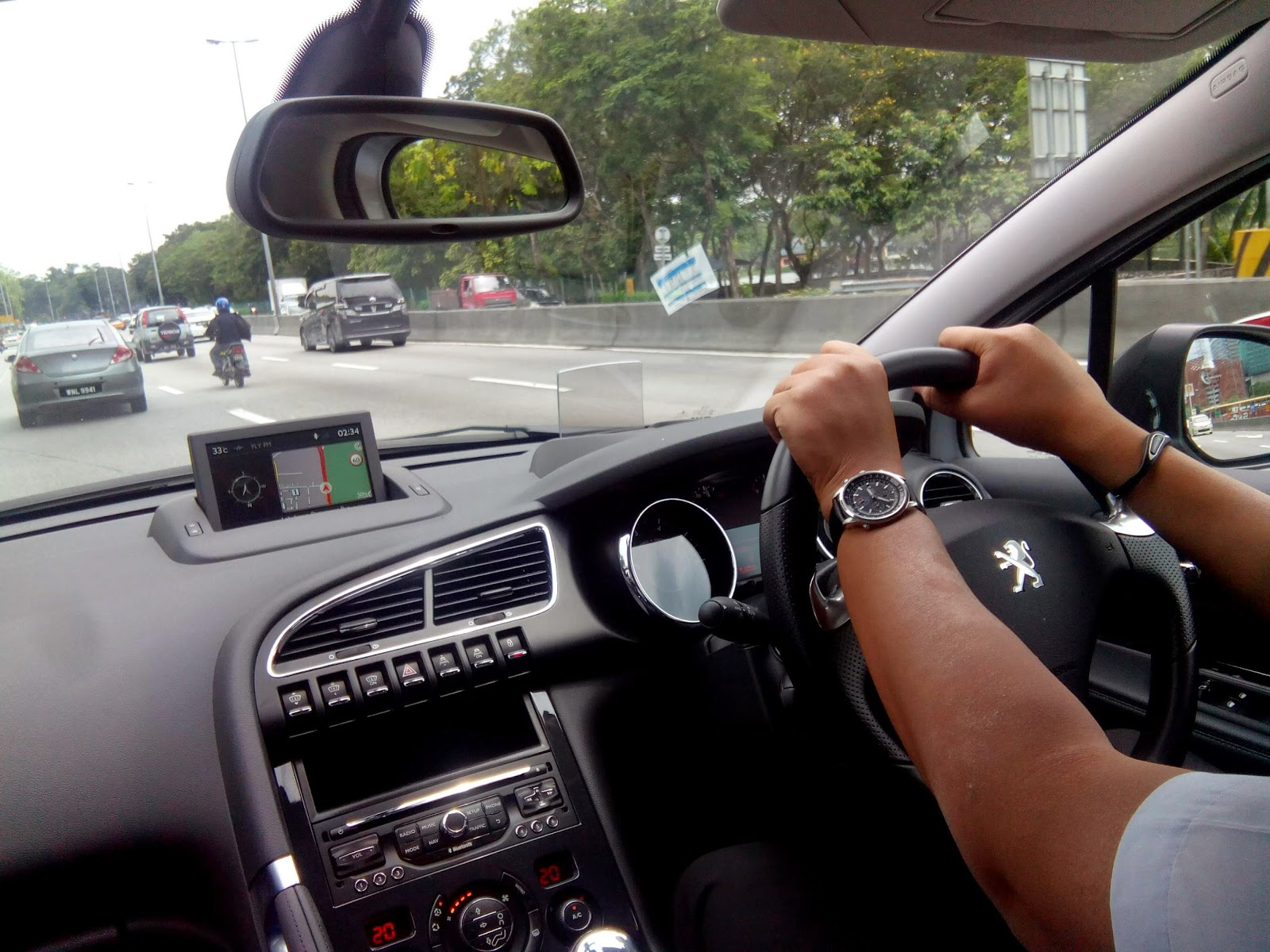 motoring-malaysia: test drive: facelifted peugeot 3008 suv