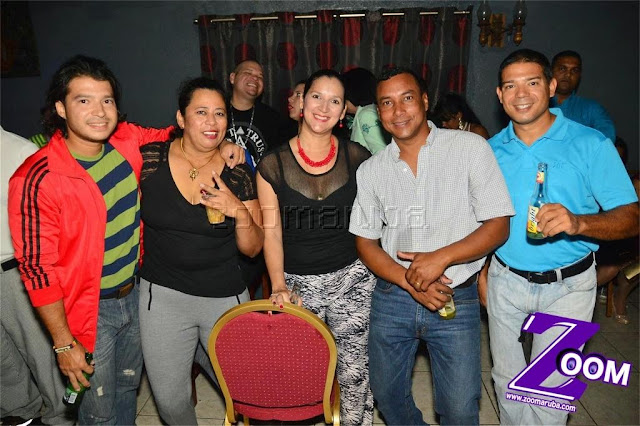 Latina 92.3fm Presenta 2do Festival de Karaoke @ Different Bar 4 April 2015 - Image_8.JPG