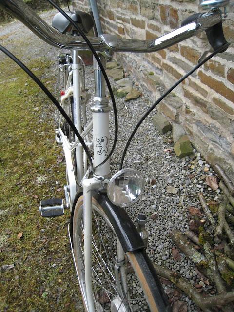 Le Peugeot Reims de ma compagne IMG_0020