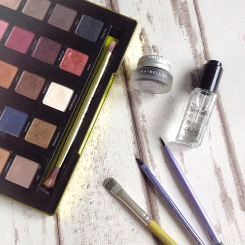 inglot duraline eyeshadow sealer review