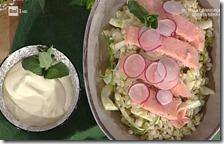 Trota salmonata agli agrumi con insalatina d'orzo e urticions