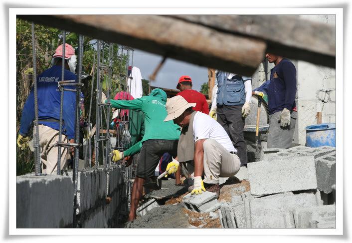 2012. 11. 20. 필리핀 건축선교 (15).jpg