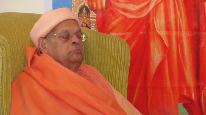 Swami Swahanandaji meditating