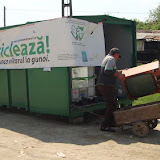 Prima campanie de colectare a deseurilor periculoase si a DEEEurilor - mai 2011 - DSC09650.JPG