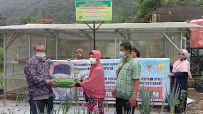 Dukung Perbaikan Ekonomi Masyarakat, Anggota DPR RI Dr. H. Hermanto Bantu KWT di Padang Panjang