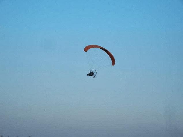 zbor cu motoparapanta green adventure