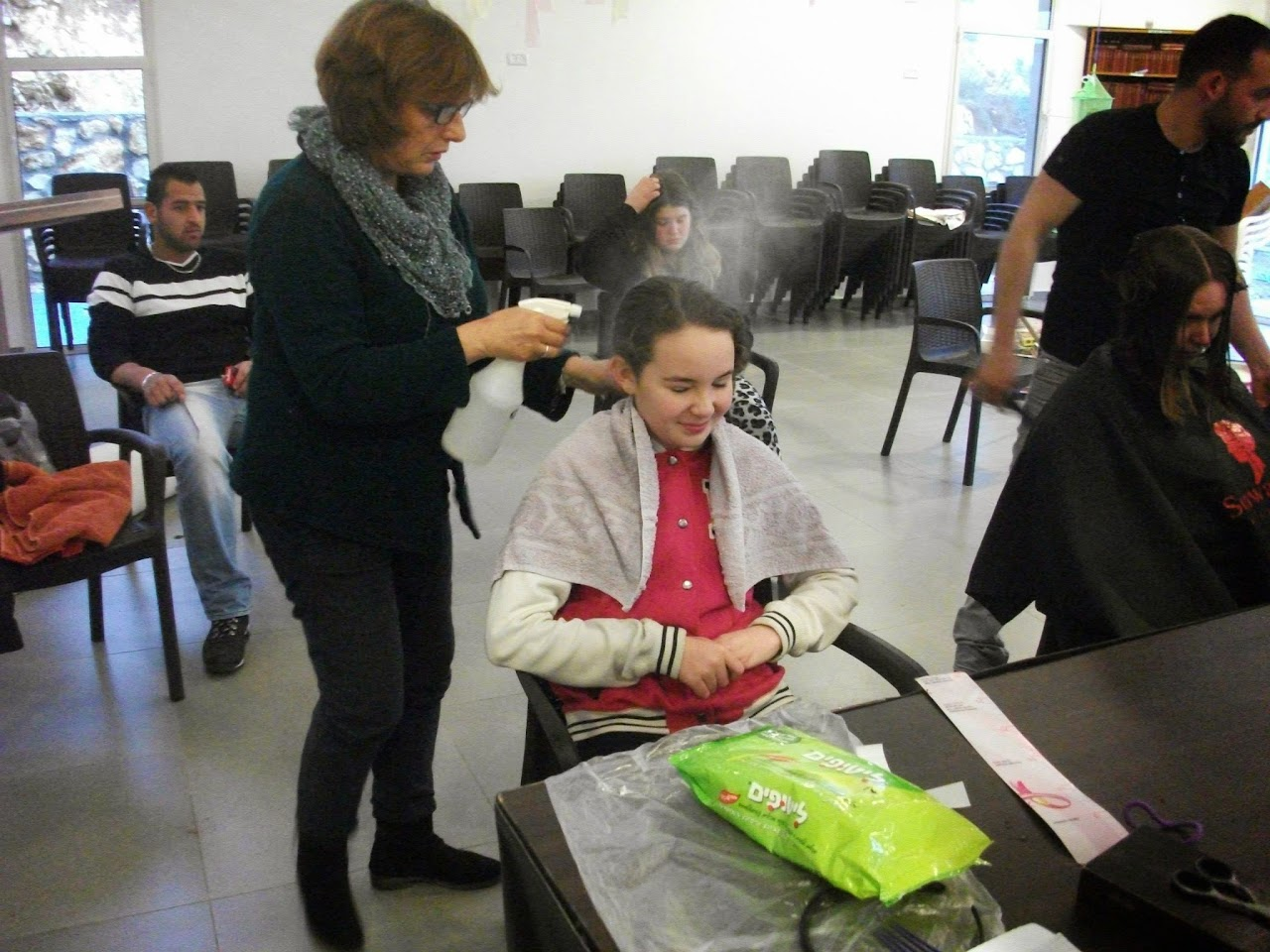 Donating hair for cancer patients 2014  - 1890425_539676646148633_122648180_o.jpg