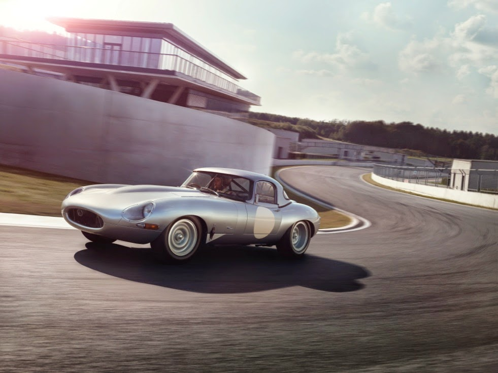 Jaguar Lightweight E-Types Hero_02