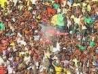 Des supporteurs de l'As V.Club de la RDC célébrant la victoire contre  Dynamic FC du Togo le 17/2/2013 au stade de Martyrs à Kinshasa, lors du match aller du tour préliminaire de la Ligue des champions de la Caf. Score : 3-0. Radio Okapi/Ph. John Bompengo.