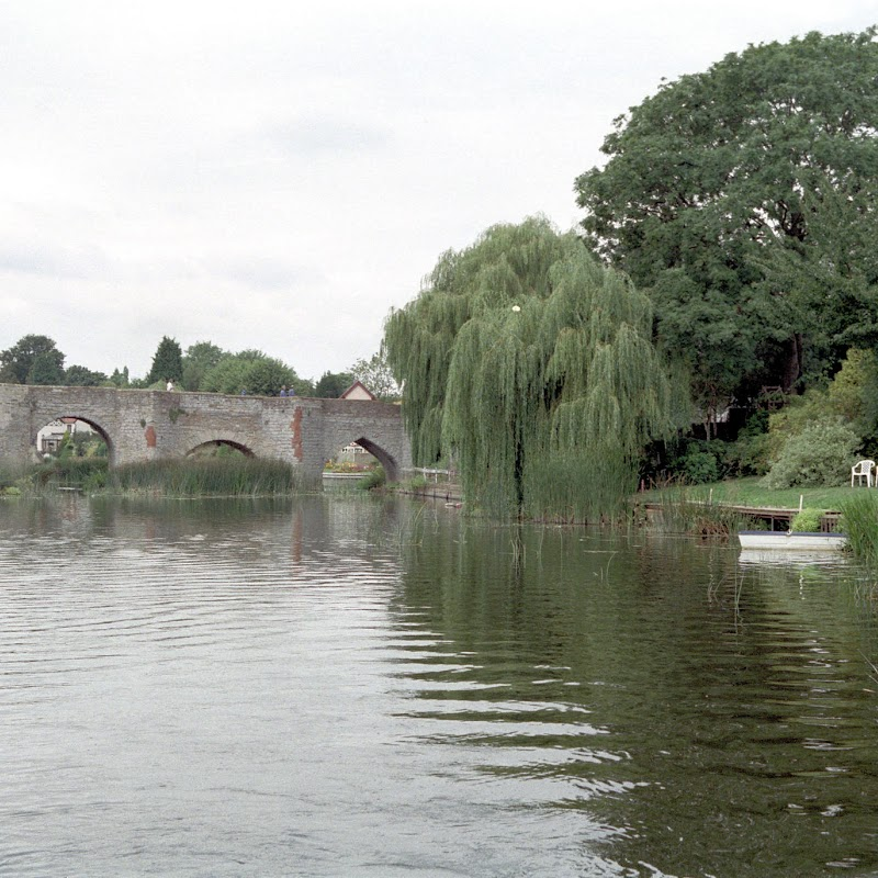 Canal_Boating_05 Bridge.jpg