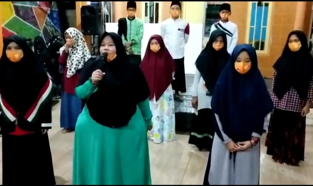 Apresiasi diberikan Kepada Wakapolres Majalengka Atas Perhatiannya Dengan Wakafkan Al-Qur'an Ke Pondok Pesanteen