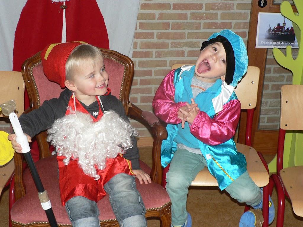 Sinterklaas op bezoek - P1270215.JPG
