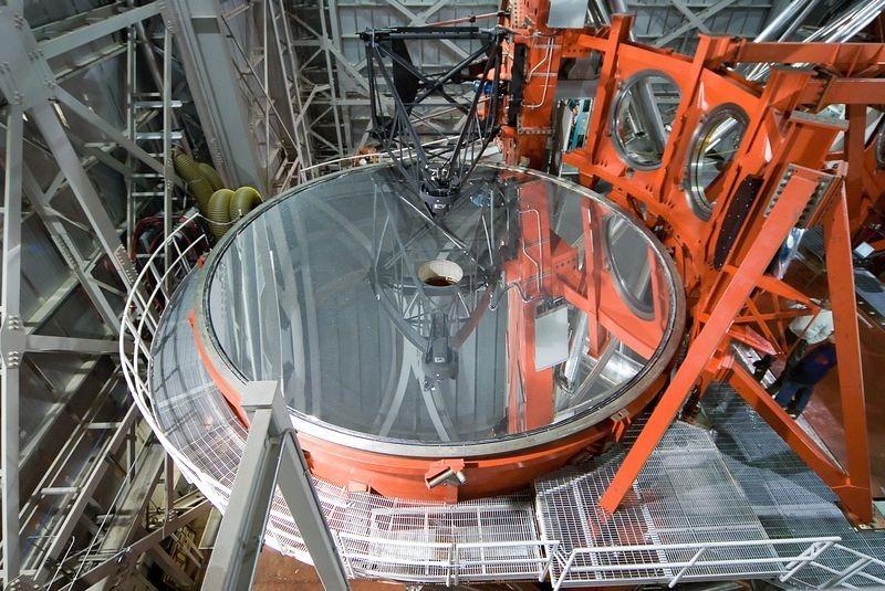 large-binocular-telescope-9