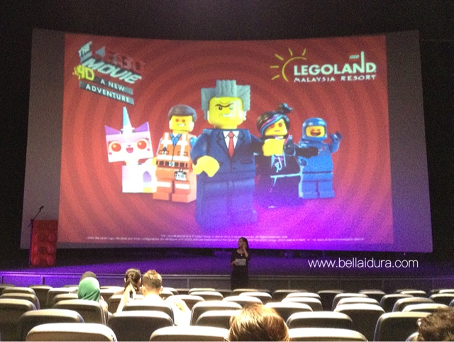 Tayangan MOVIE 4D di LEGOLAND