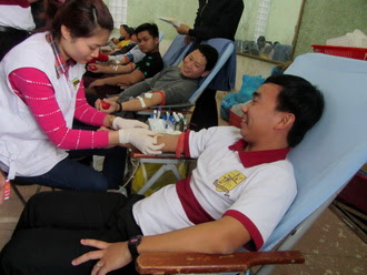 Chủng sinh tham gia hiến máu nhân đạo