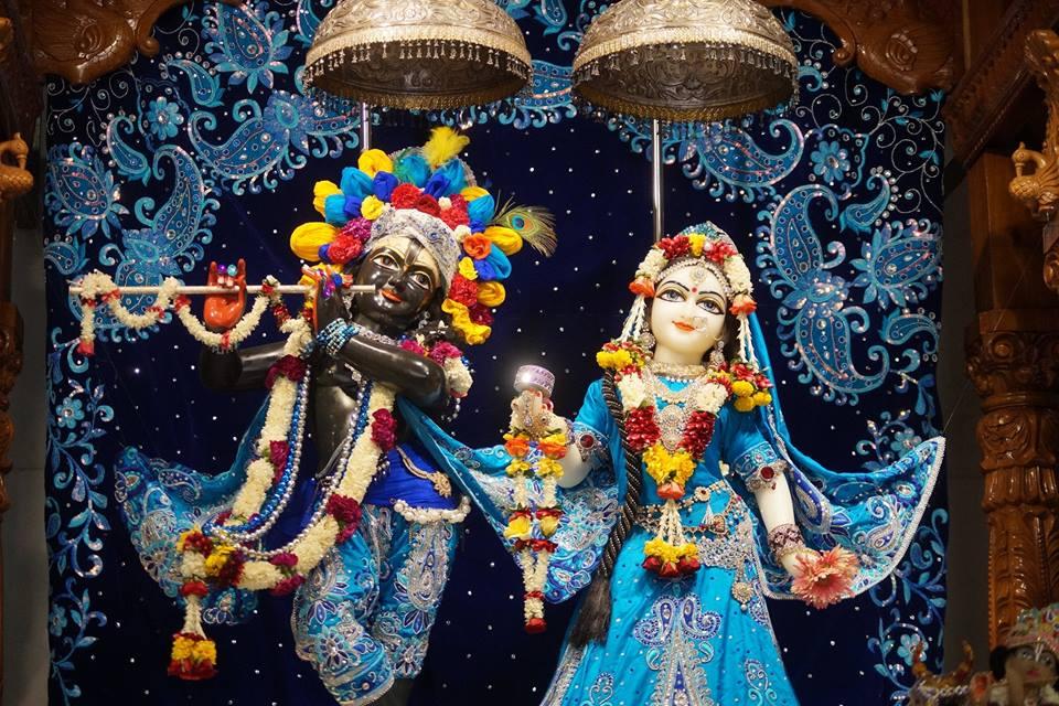 ISKCON Noida Deity Darshan 11 May 2016 (1)