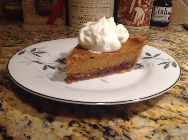 Delicious Praline Pumpkin Pie Recipe