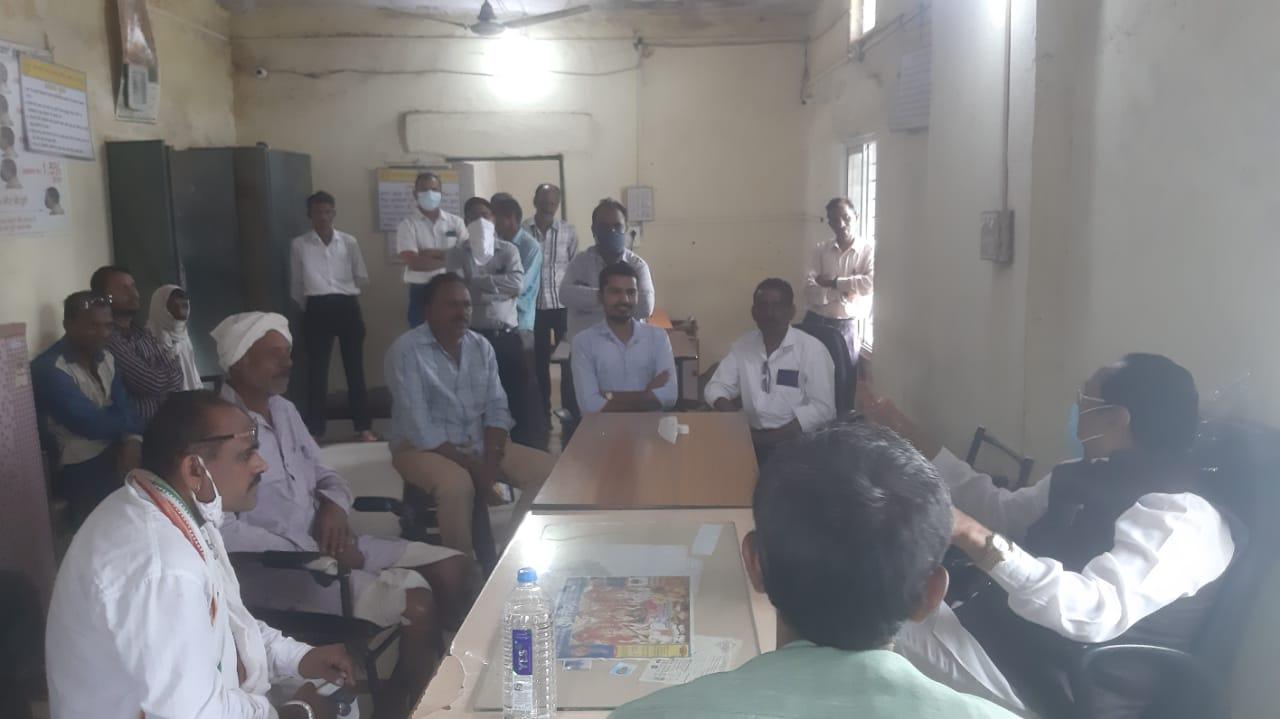 Jhabua News- विधायक भूरिया द्वारा कल्याणपुरा सहकारी संस्था का निरीक्षण किया