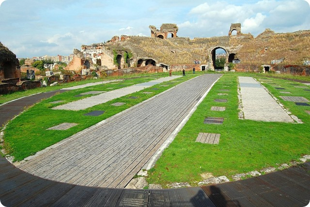 Campania-The_Amphitheatre_of_Santa_Maria_Capua_Vetere_006