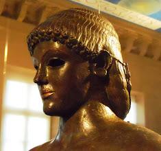 Photo: Bronze Apollo of Piombino 5th century BC, Etruria ............ Bronzen Apollo van Piombino 5de eeuw v.C., Etrurië