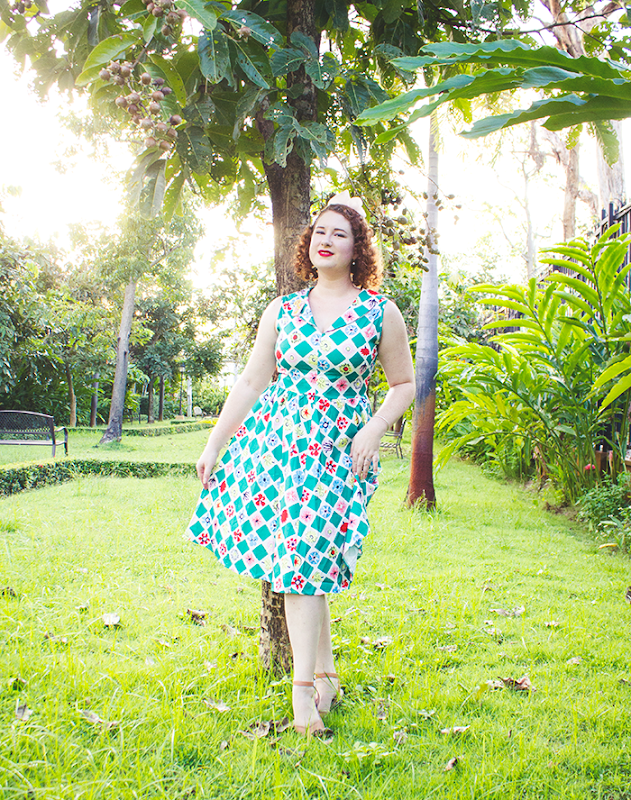 Tropical retro style for summer and travel | Lavnder & Twill