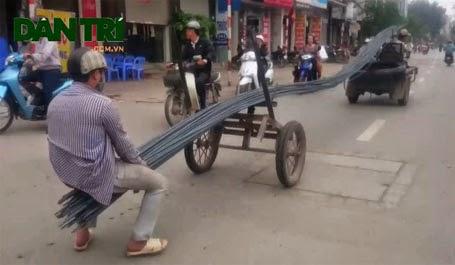Sieu xe chay bang bang tren duong Kim Giang
