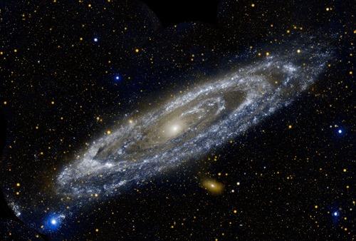 Andromeda_1300x1751Lede