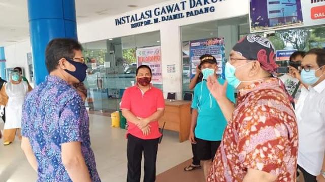 Foto: Gubernur Irwan Prayitno Kunjungi M Djamil. Bertambah 18 Kasus Baru, Total 221 Warga Sumbar Positif Covid-19.