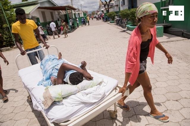 Sube a 1.419 el número de muertos por el terremoto en Haití