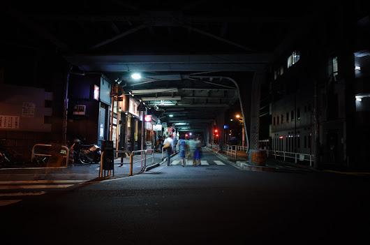 橋の下 / Under the Bridge この日は、白山の フランス菓子エリティエに写真展「ふくろう」を見に行った。その足で水道橋まで出て「海南飯店...