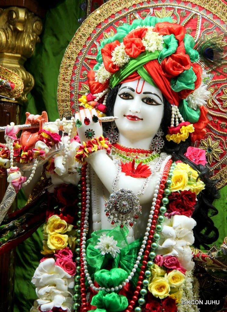ISKCON Juhu Sringar Deity Darshan on 3rd May 2016 (16)