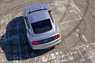 2015-Ford-Mustang-15
