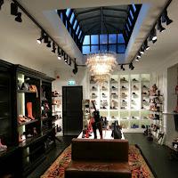 Verbouwing shoe-store bij Van Dijk Waalwijk
