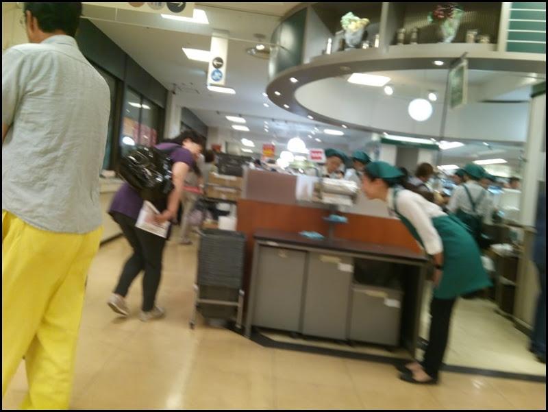 柏そごう@2016/09/30 最終日・地下食品売り場での一コマ