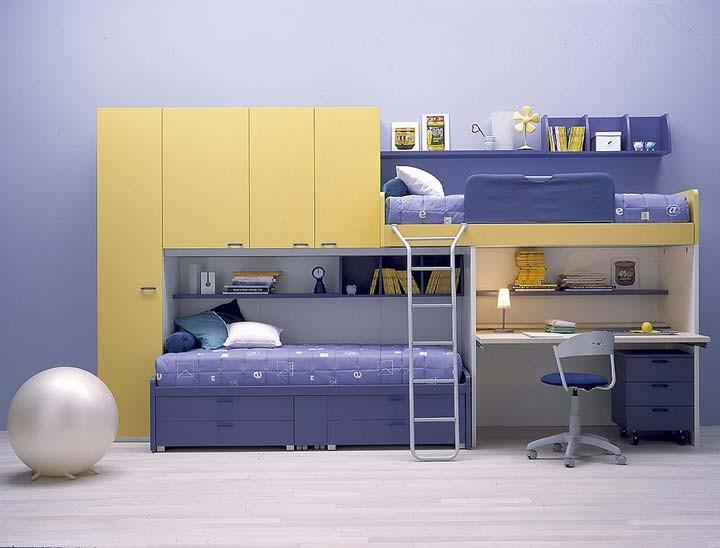 Cameretta-con-letto-a-castello-con-scrivania-e-armadio-a-ponte.jpg