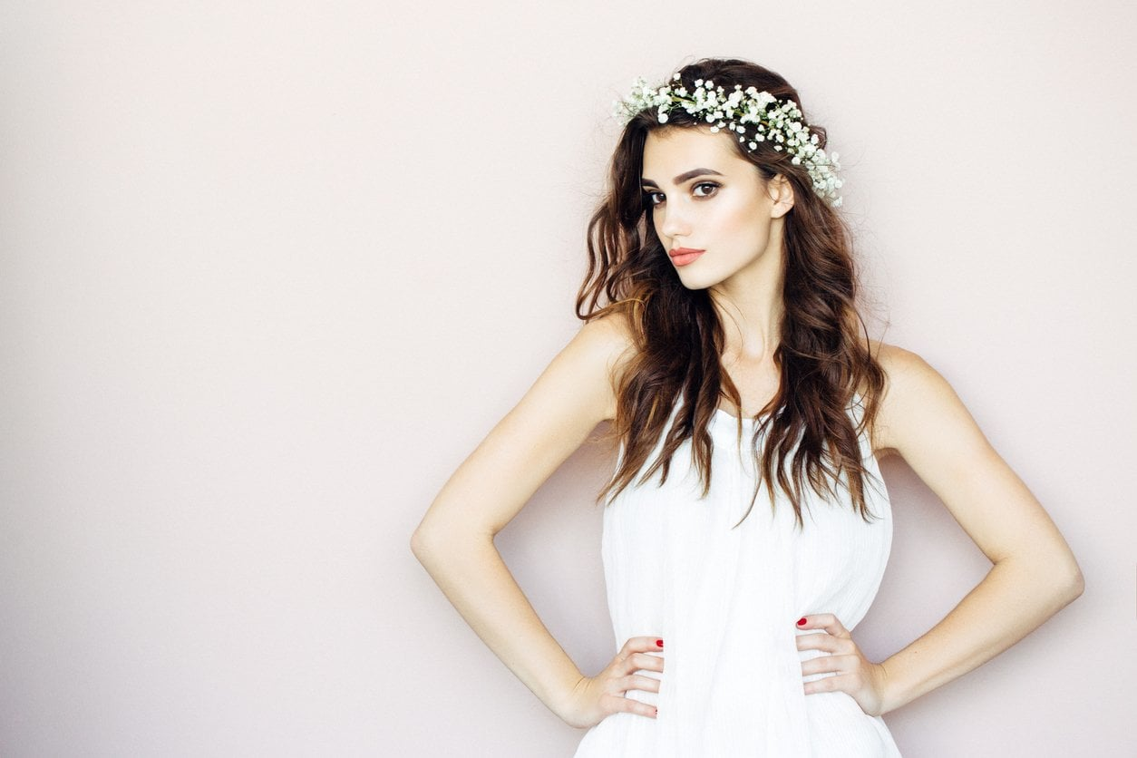 A headpiece can yield your club hairstyle to new heights.