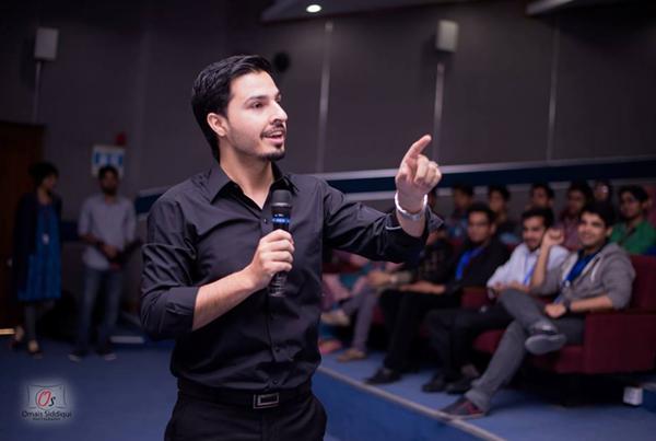 Pakistani Pro Blogger