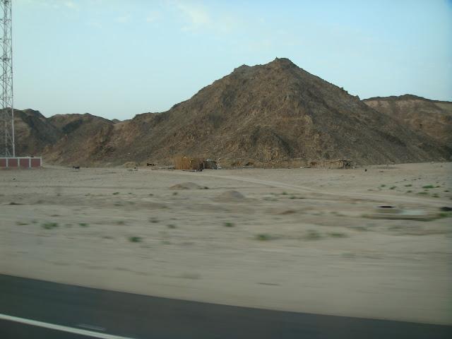 فى مصر الرجل تدب مكان ماتحب ( خاص من أمواج ) 100607-050504-s