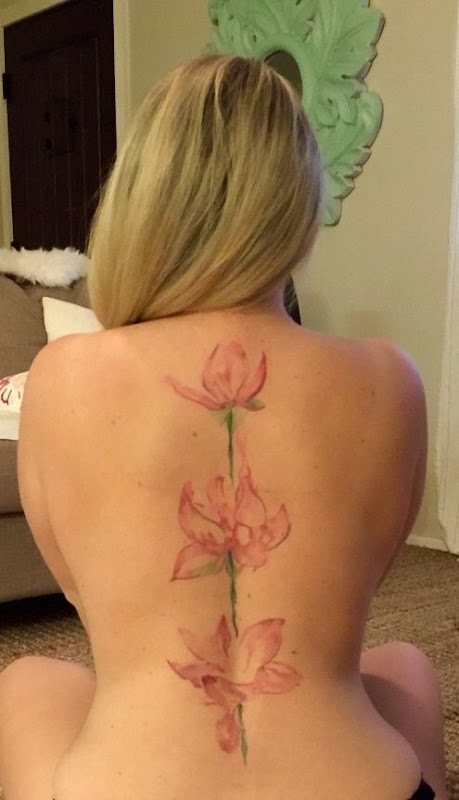 abstrato_cor-de-rosa_lotus_coluna_vertebral_tatuagem
