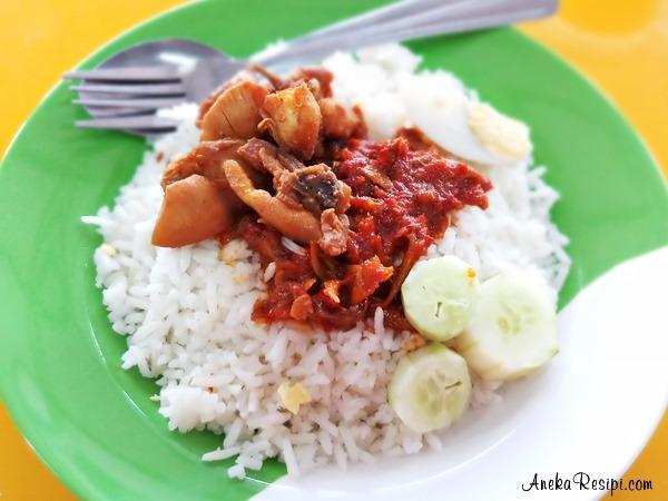 nasi lemak kelantan azie kitchen dan nasi lemak chef wan