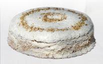 Торт орехово-кокосовый с вишней