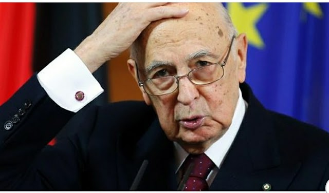 I senatori a vita guadagnano 22.000 euro al mese, e gli italiani sono costretti a pagarli anche quando sono morti