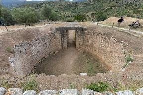 Mykines Tomb