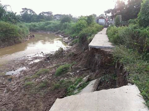 Jalan Desa di Cilamaya Hasil ADD Terputus,Ini Akibatnya