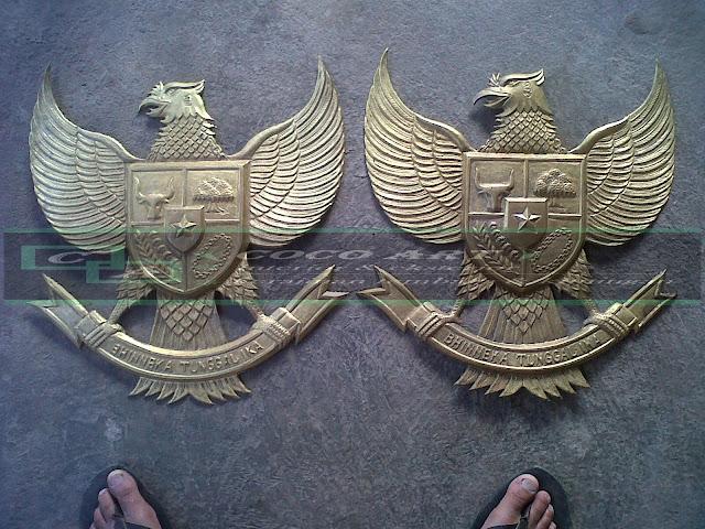 kerajinan logo garuda kuningan