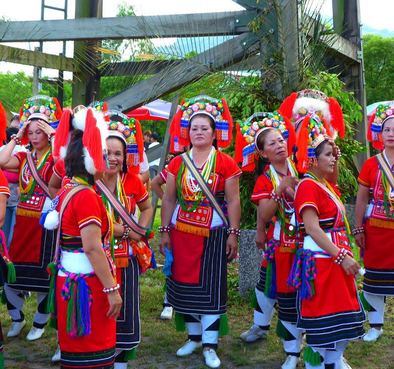 Hualien County. Liku lake. Danses Amis J 2 - liyu%2B2%2B419.JPG