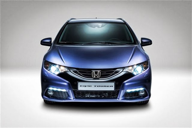 2014-Honda-Civic-Tourer-11